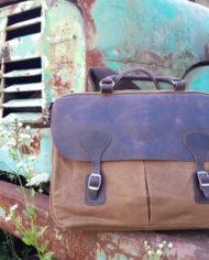 Retro taška přes rameno na notebook